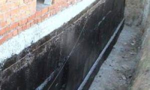 Как провести вертикальную гидроизоляцию старого фундамента?